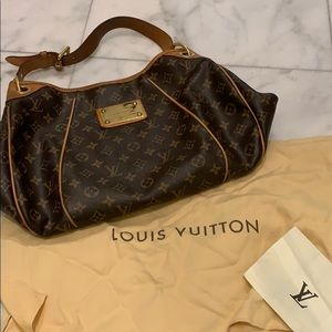 Louis Vuitton Galliera PM- loved condition